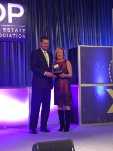 Reesa_Award